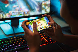 Photo of Mobile Gaming Vs Pc Gaming: Which one is better?